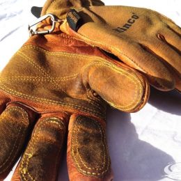 Kincos Ski Gloves Review:Warm & Functional